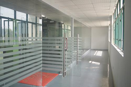 走廊-立卓
